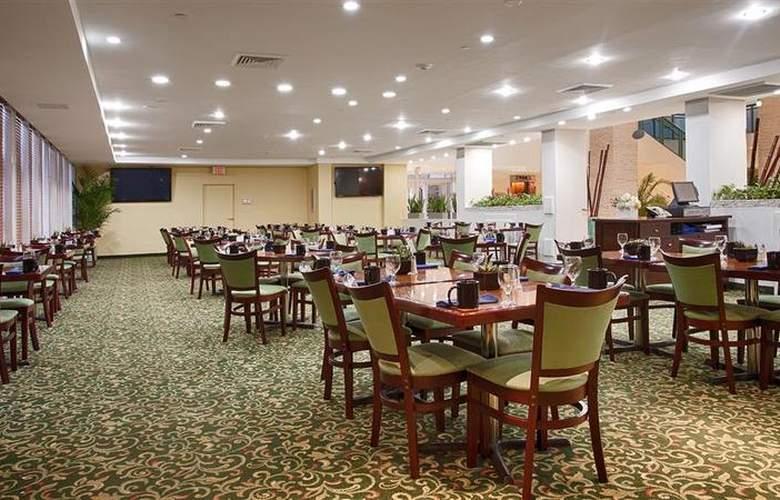 Best Western Plus Atlantic Beach Resort - Restaurant - 96