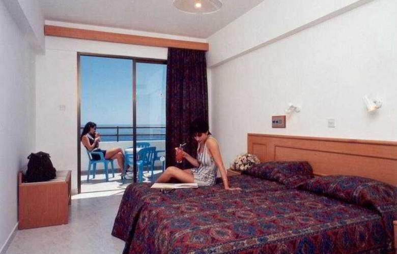 Corallia Beach Apartments - Room - 2