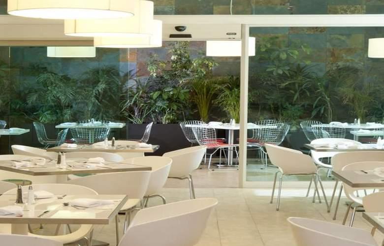 Fiesta Inn Merida - Terrace - 102