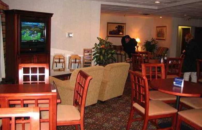 Hampton Inn Peoria-E At The River Boat Crossing - Hotel - 3