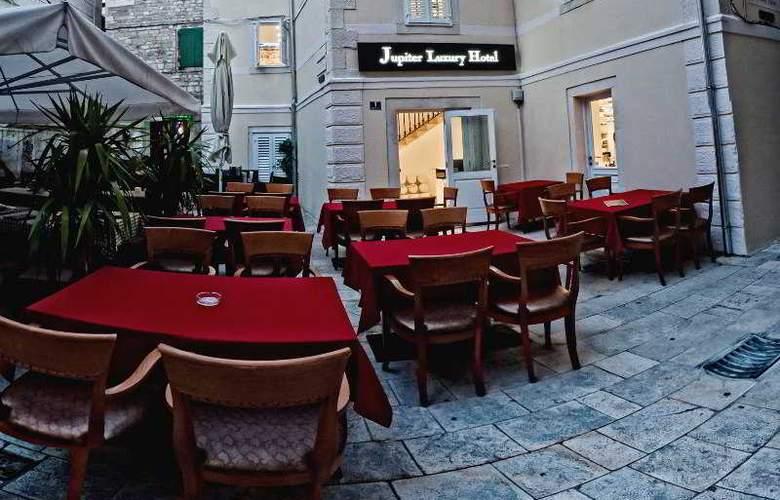 Jupiter Luxury Hotel - Terrace - 29