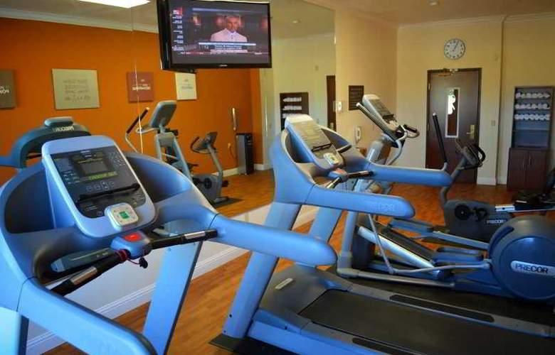 Comfort Suites UC Davis - Sport - 4