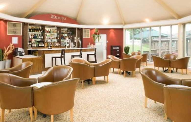 Ramada Hotel Dover - Bar - 0
