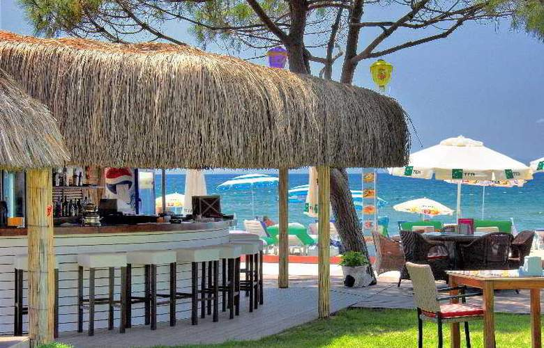 Batihan Beach Resort - Bar - 7