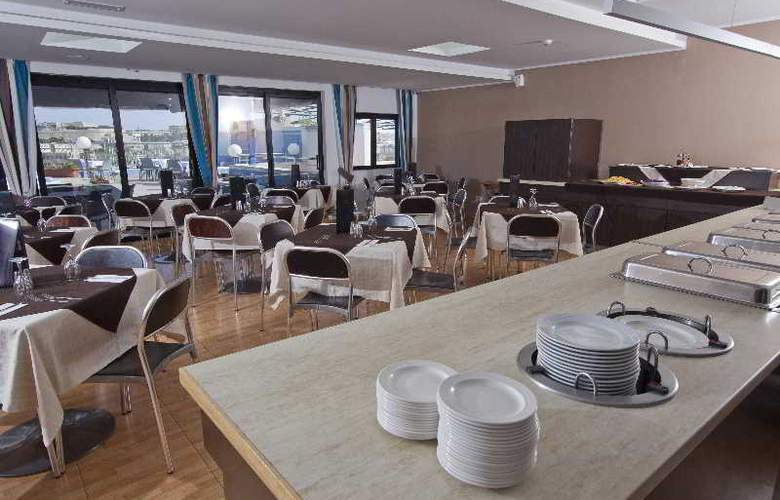 115 The Strand Aparthotel - Restaurant - 28