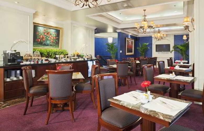Crowne Plaza Jakarta - Restaurant - 10