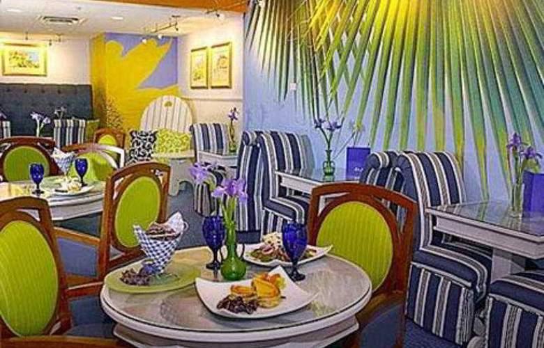 Claridge House - Restaurant - 3