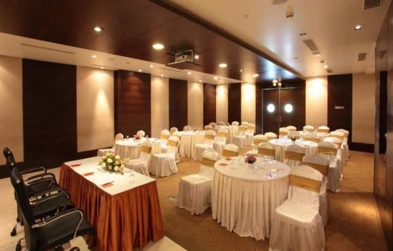 Daspalla Hotel Hyderabad - Restaurant - 8