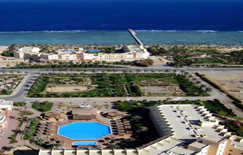 Flamenco Beach Resort - Hotel - 8