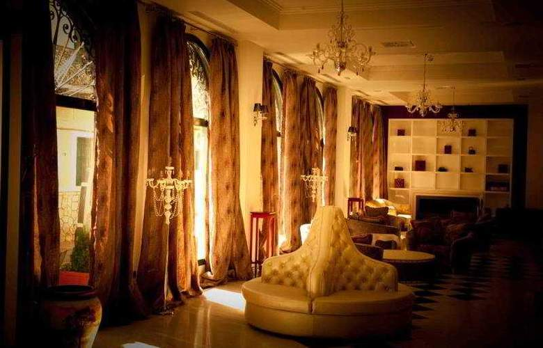 Dioni Boutique - Hotel - 0