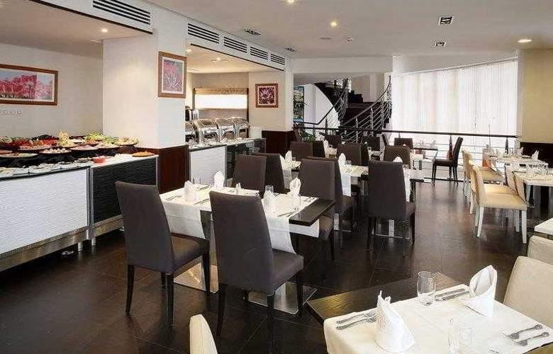 Best Western Plus Liberte Hotel - Hotel - 11