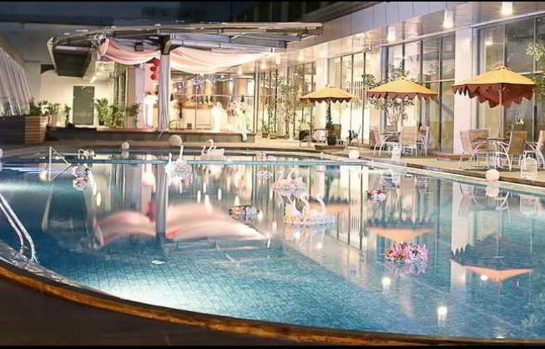 Swiss-belhotel Cirebon - Pool - 6