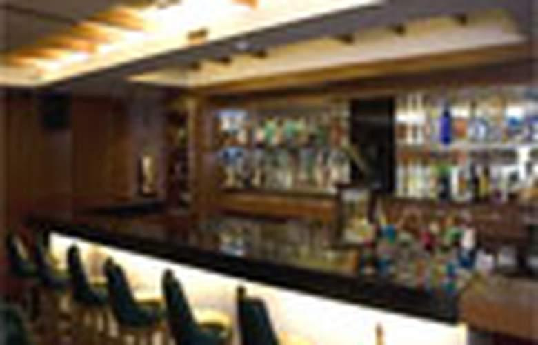 Shilton Royale - Bar - 2