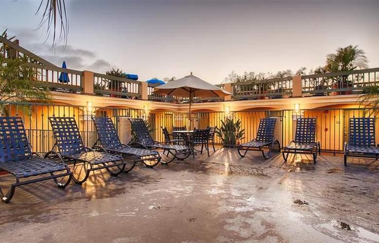 Best Western Plus Laguna Brisas Spa Hotel - Pool - 45