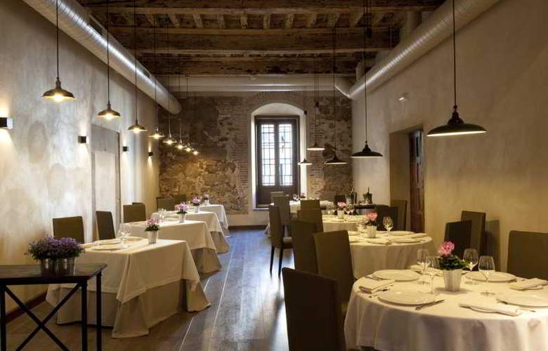 Palacio Carvajal Giron - Restaurant - 1