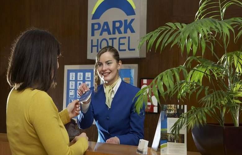 Park Porto Aeroporto - Services - 0
