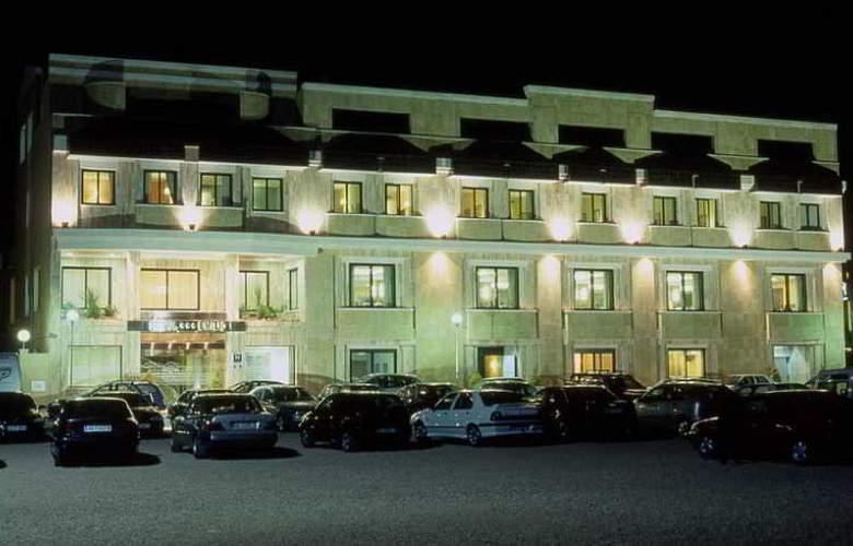 Emilio - Hotel - 0