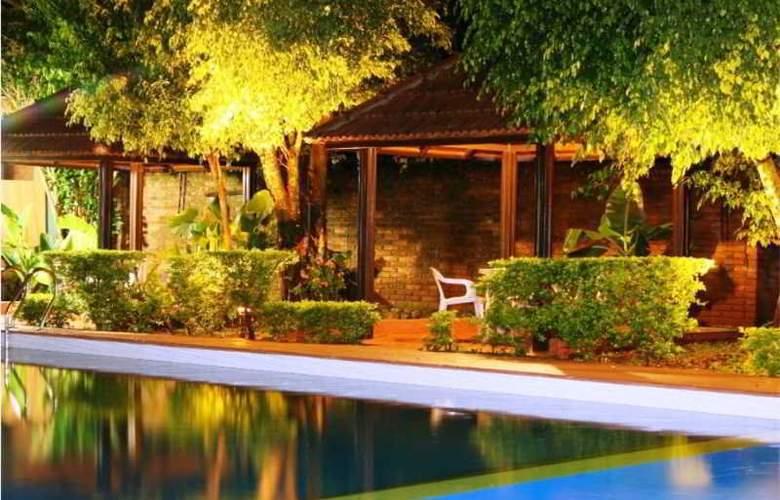 Pirayu Lodge Resort - Pool - 13
