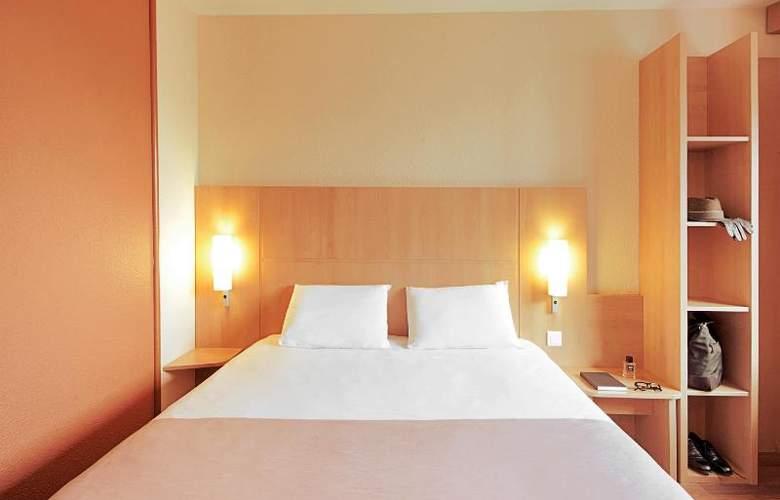 Ibis Valladolid - Room - 5