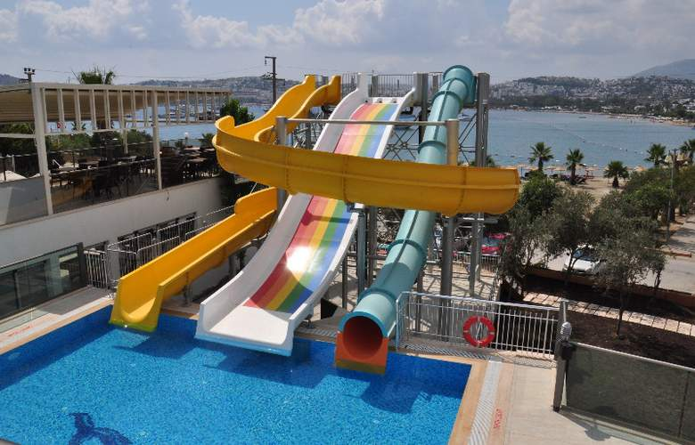 Jasmin Beach Apart - Pool - 6