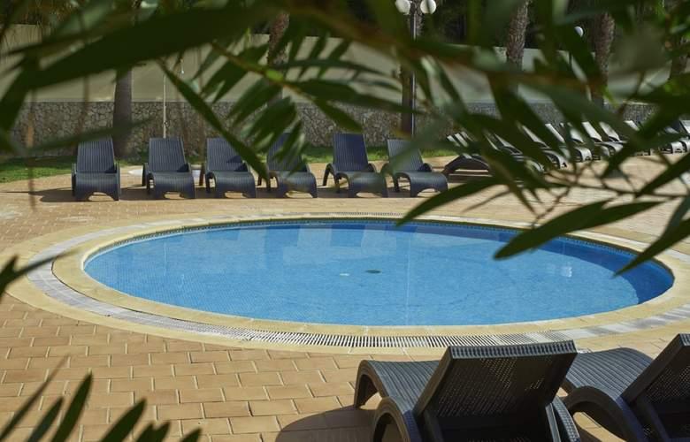 Cheerfulway Balaia Plaza - Pool - 17