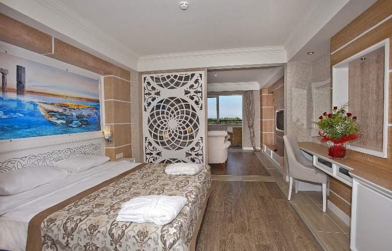 Crystal Sunset Luxury Resort & Spa - Room - 10