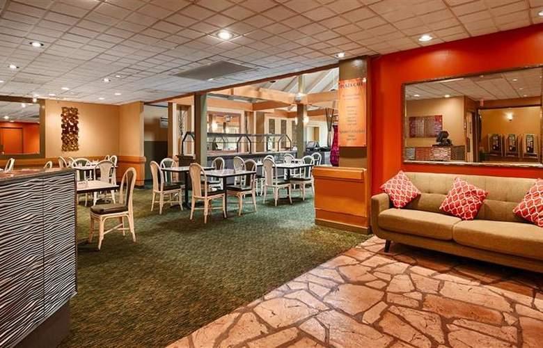 Best Western The Plaza Hotel - Restaurant - 74