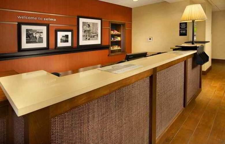 Hampton Inn and Suites Selma-San Antonio/Randolph - Hotel - 1