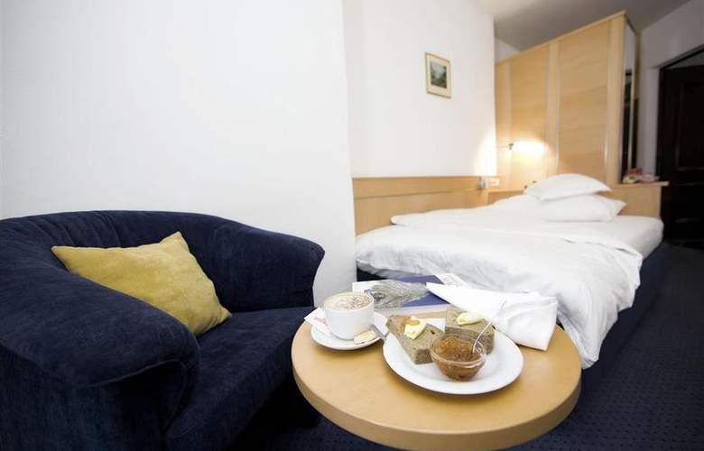 Alpen Resort - Room - 8