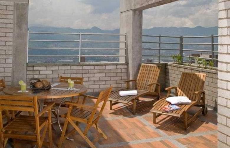 Best Western Cyan Suites - Terrace - 8