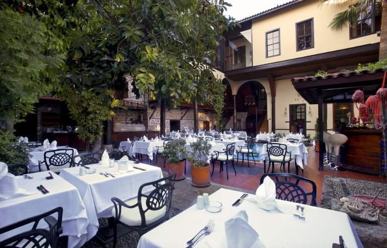 Alp Pasa Hotel - Restaurant - 11