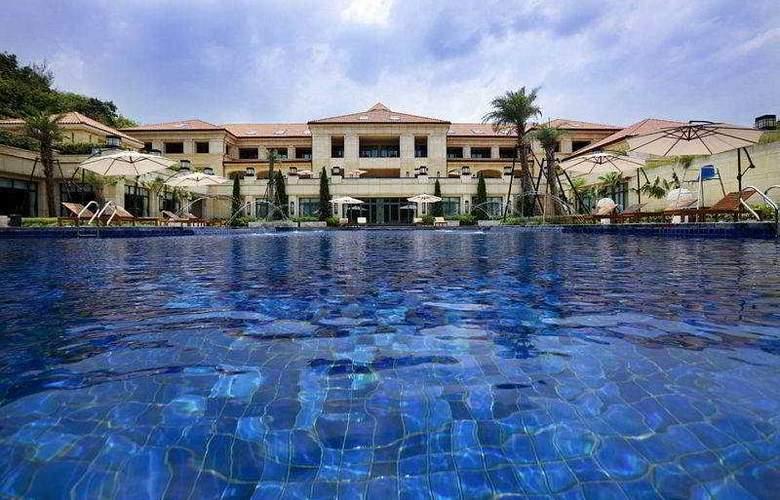 Rose Garden Resort - Pool - 8