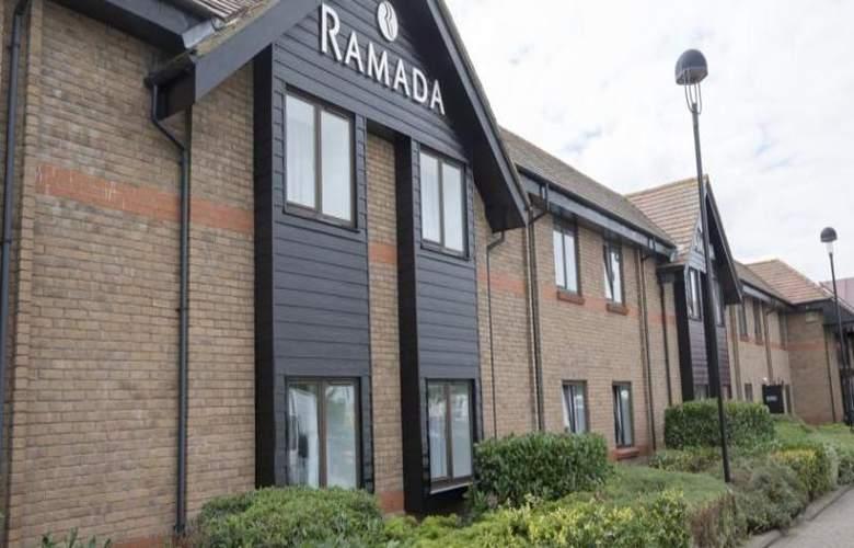 Ramada by Wyndham Cambridge - Hotel - 2