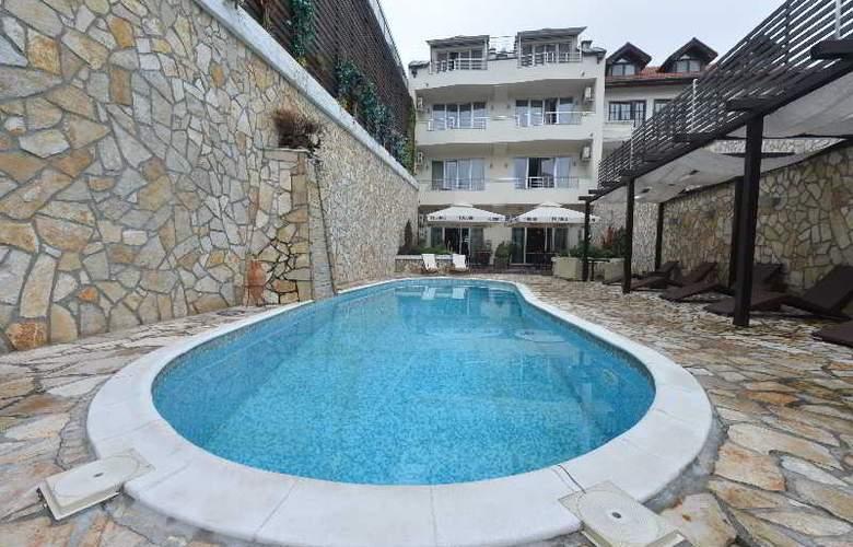 Belgrade Boutique - Pool - 2