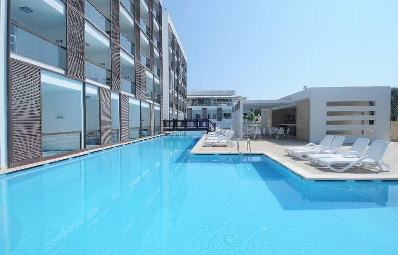 Sentido Golden Bay - Pool - 6