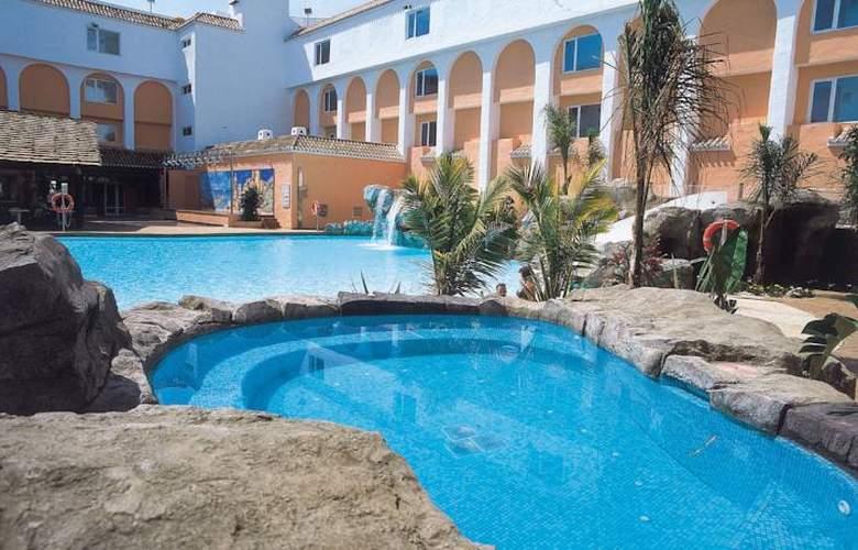 diverhotel Nautilus Roquetas - Hotel - 1
