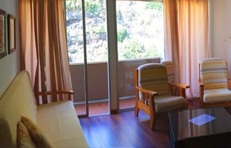 Apartamentos Rocamar - Room - 2