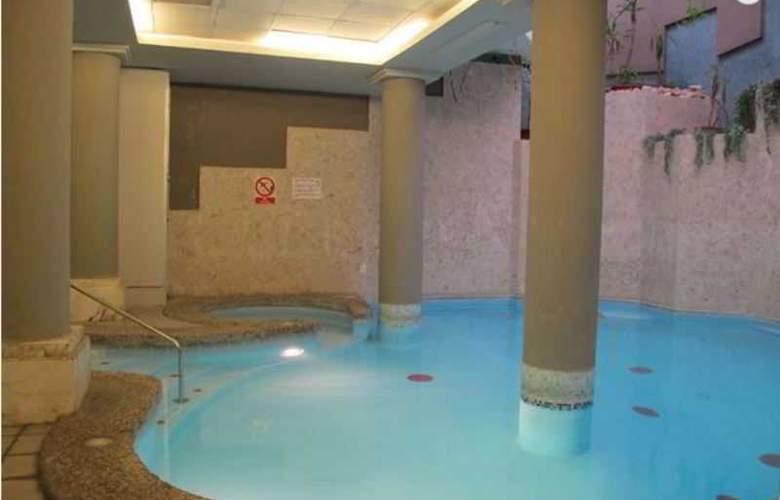 Park - Pool - 10