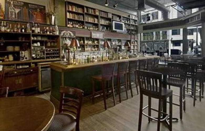 Alexis Hotel, A Kimpton Hotel - Bar - 2