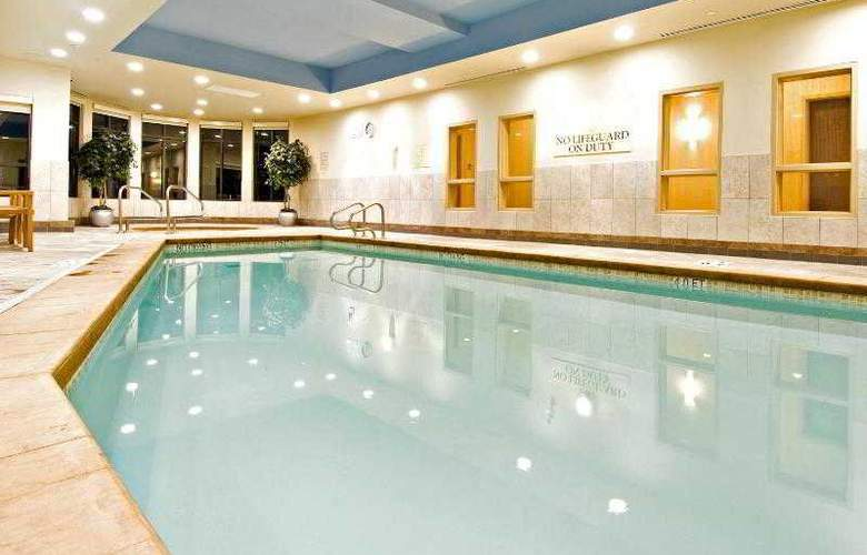 Holiday Inn Express & Suites Riverport - Pool - 31