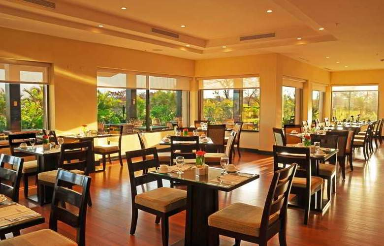 Hilton Garden Inn Liberia Airport - Restaurant - 40
