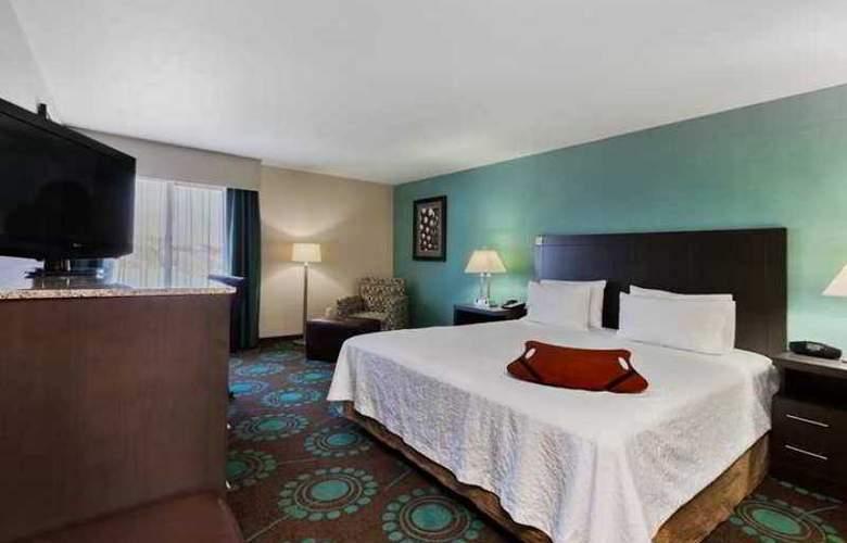 Hampton Inn Bakersfield-Central - Hotel - 6