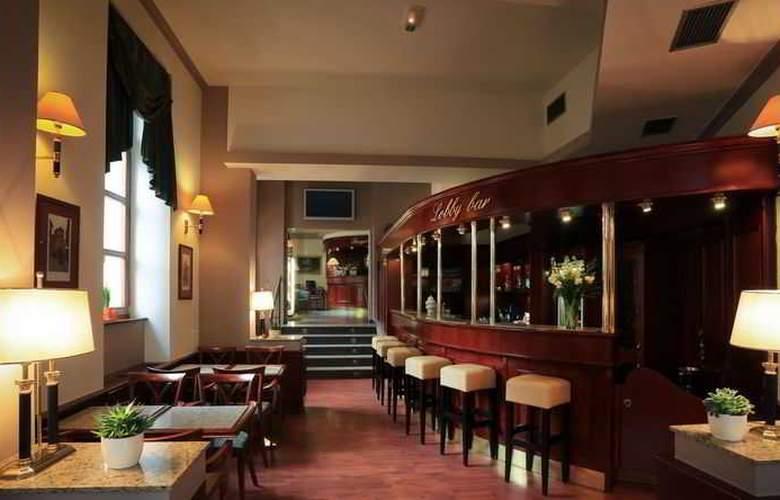 Carlton Hotel - Bar - 4