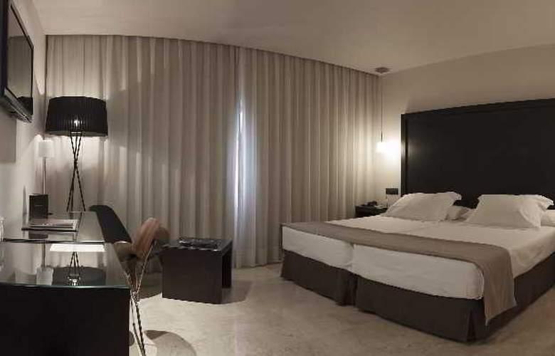 Fernando III - Room - 28