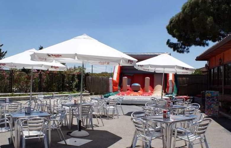 Hotel Restaurante La Plata - Terrace - 3