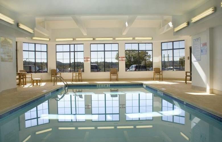 Best Western Mountain Villa Inn & Suites - Pool - 31