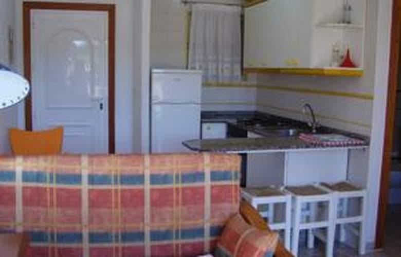 Apartamentos Olympia Gardens - Room - 2
