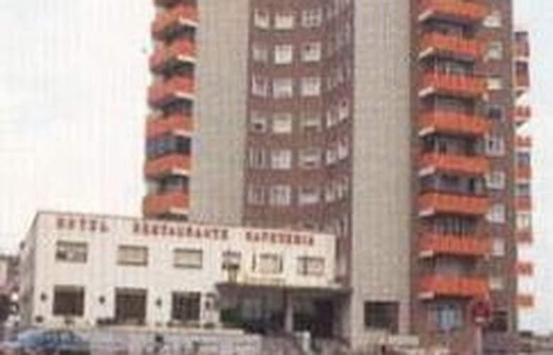 Tres Condes - Hotel - 0