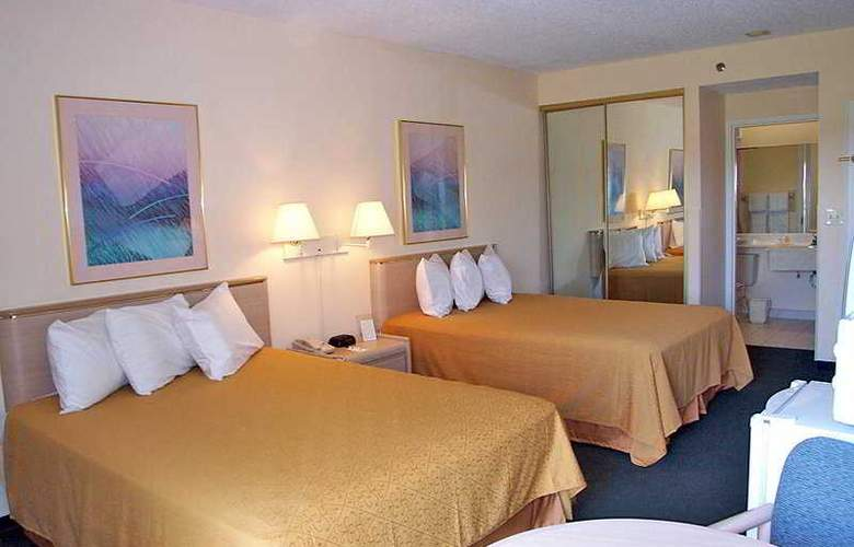 Quality Inn & Suites Golf Resort - Room - 4