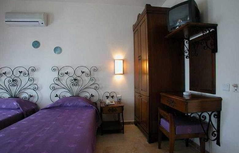 Markiz Hotel - Room - 4